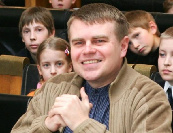 Tartu lastekirjanduse auhinna laureaat on Andrus Kivirähk